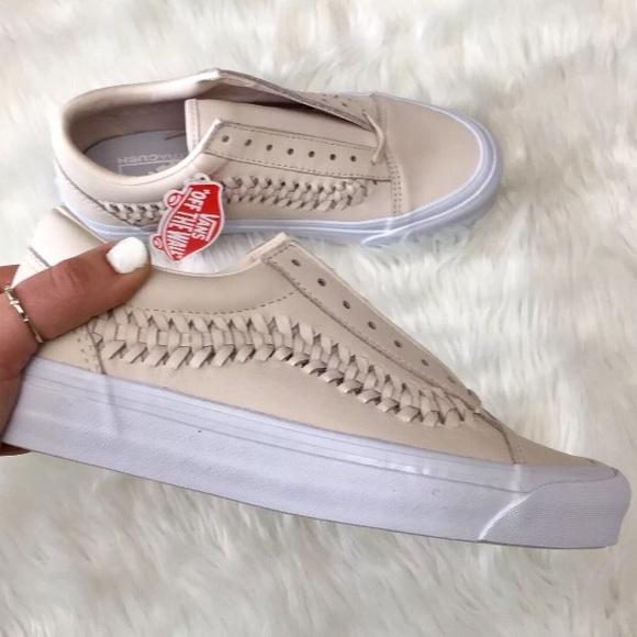 534e64051a Vans Womens Old Skool Weave DX Leather Sneaker